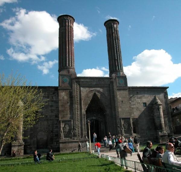 ErzurumCifteMinareli1
